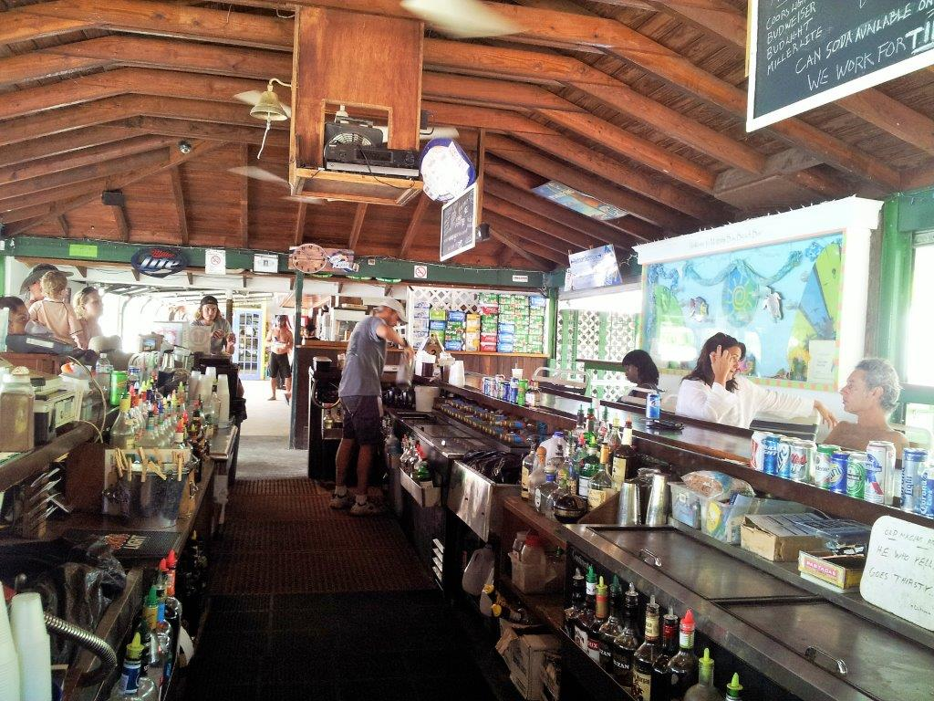 Magen's Bay bar